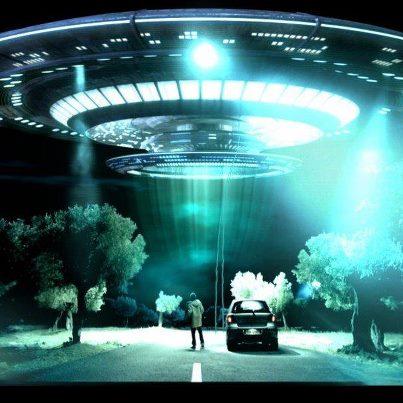 Alien Abduction 10624988_10202633040362993_1477293262060347063_n